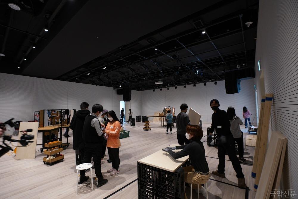 [사진1-3]서울예술교육센터 용산_프로그램 '맵 위에서 어슬렁' 운영 모습.JPG